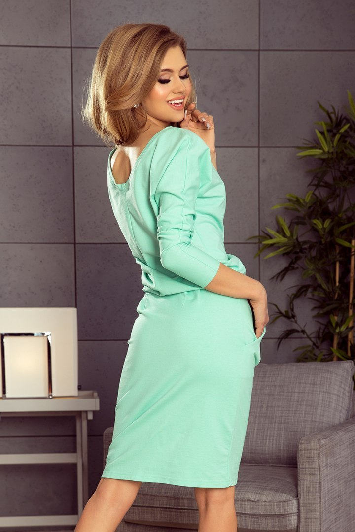 189-1 Sports dress with neckline at the back - mint